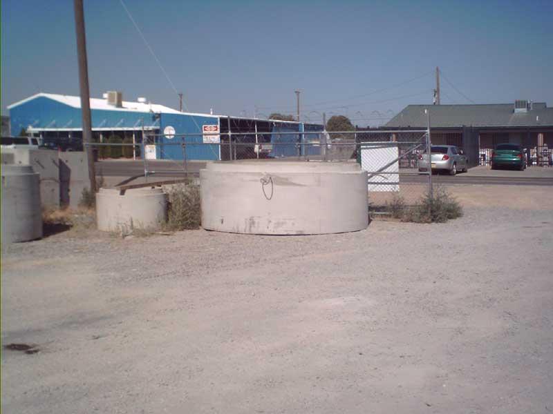 manhole020